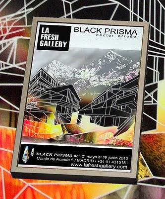 Prisma negro del artista Héctor Orruño